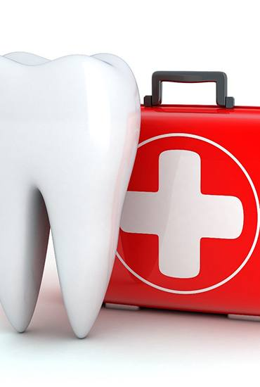 Molar and first aid kit for emergency dentist in Azle.